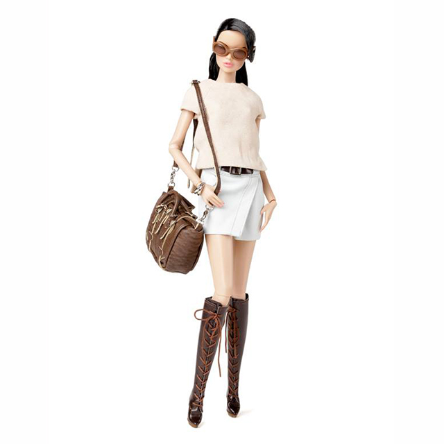 91345 Fashion Exporer Vanessa Perrin 2014Wclub Exclusive Upgrade Doll