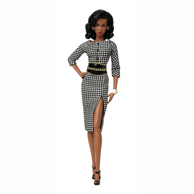 91378 Fashion Royality Time and Again/Adele Makeda Thursday Dinner Center Piece