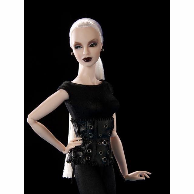 91226 Fashion Royality  Lucia Z. Future Bound ルチア Z.「フューチャー・バウンド」 (ファッションロイヤリティ)2009